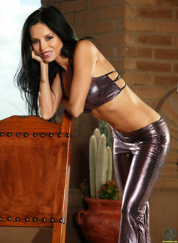 Lucia Tovar in Shiny Pants and Heels - pics 00