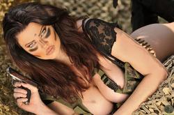 Action Girl Dana Hamm in Camouflage - pics 10