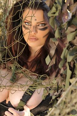 Action Girl Dana Hamm in Camouflage - pics 13