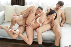 Pornstar Anissa Kate 3some Fucking - pics 04