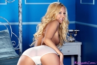 Aaliyah Love Spreading her Pink Pussy - pics 06