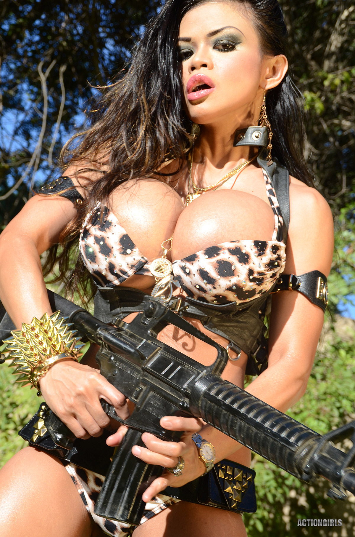 Busty Armie Field Goddess of War - picture 00
