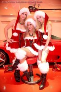 Santas Helper Trio POV Sucking - pics 02