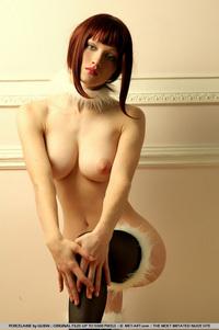 Cool Redhead Jade Porcelaine - pics 10