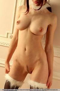 Cool Redhead Jade Porcelaine - pics 15