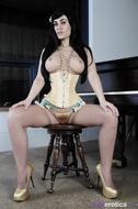 Violet Damn Hot Gothic Slut - pics 14