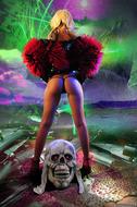 Horny Blond Denise Skull Island - pics 01