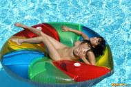 Sunny Leone Sheer Green Bikini - pics 10