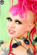 Roxy Contin Tattooed Christmas Babe - pics 02