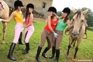 Horny Teenager Riders Lesbian Sex - pics 09