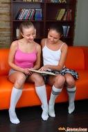 Nasty Lesbian Teens Licking Pussy - pics 00