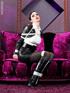 Supermodel Emily Marilyn Latex and Boots - pics 11