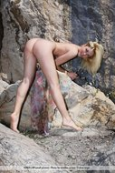 Blonde Nude Tinna Wild Thing - pics 09