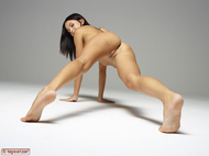 Gloria in Pantyhose Hot Stripping - pics 15