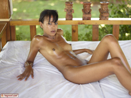 Sexy Lynn from Mauritius - pics 00