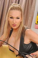 Busty Carol Toying Pussy in Latex - pics 03