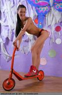 Petite Russian Model Maria Nude - pics 00