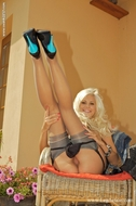 Cool Platinum Babe with Toys - pics 03