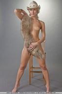 Sensual Blonde girl Pear Bottom - pics 10