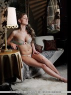 Awesome Busty Babe Nude Posing - pics 02
