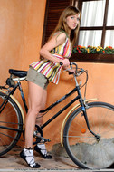 Cycling Slut Showing Pink Pussy - pics 01