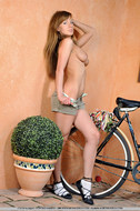 Cycling Slut Showing Pink Pussy - pics 10