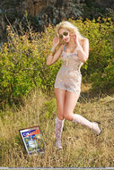 Real Blonde Sexbomb Posing Outdoors - pics 02