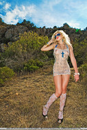 Real Blonde Sexbomb Posing Outdoors - pics 08