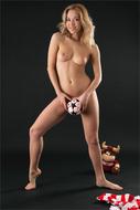 Skinny Blonde Beauty Yummy Clit - pics 05