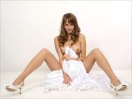 Yummy Pussy in Wedding Dress - pics 05
