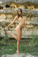 Cute Teenager Nude with Killer Cunt - pics 09
