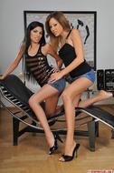 Strapon Lesbian Porn Gallery - pics 00