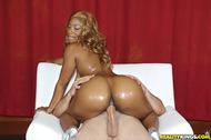 Big Booty Ebony Gets Fucked - pics 10