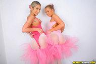 Hot Natalia Rossi Ballerinas Fuck - pics 03