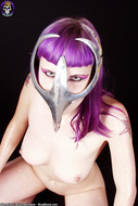 Busty Babe in Chrome Cell Mask - pics 03