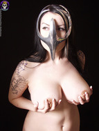 Gothic Babe Big Beautiful Tits - pics 01