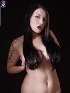 Gothic Babe Big Beautiful Tits - pics 02