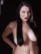 Gothic Babe Big Beautiful Tits - pics 04