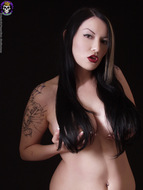 Gothic Babe Big Beautiful Tits - pics 08