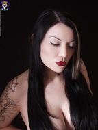 Gothic Babe Big Beautiful Tits - pics 14