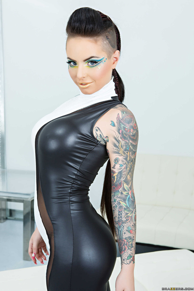 Christy Mack Science Friction - picture 02