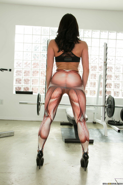 Going Deep At The Gym Kendra Lust