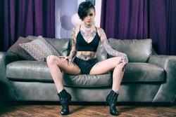 Tattooed Punk Rocker Ready to Fuck - pics 03