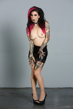 Tattooed Pornstar Joanna Angel - pics 03
