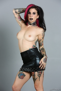 Tattooed Pornstar Joanna Angel - pics 05