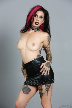 Tattooed Pornstar Joanna Angel - pics 06
