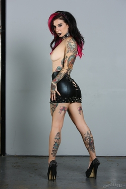 Tattooed Pornstar Joanna Angel - pics 07