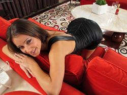 Lexa Pleasing her Beautiful Pussy - pics 00