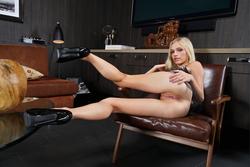 Cute Blonde Alex Grey Fisting Pics - pics 03