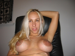 Amateur Blonde with Round Boobies - pics 01